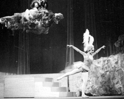Actriz durante la representación de la opereta músical