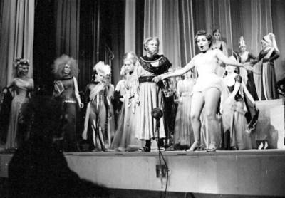 Joaquin Pardavé y actores durante la opereta músical