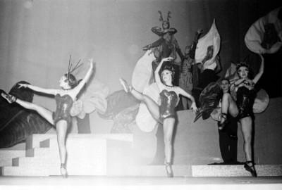 Mujeres en la representación de la opereta músical
