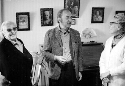 José Chávez Morado Conversa con Ancianas, en una Sala