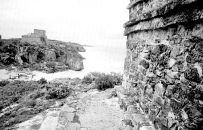 Templos arqueológicos junto al mar en Tulum