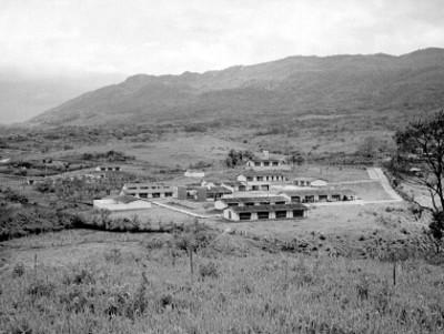 Escuela de una comunidad lacandona, panorámica