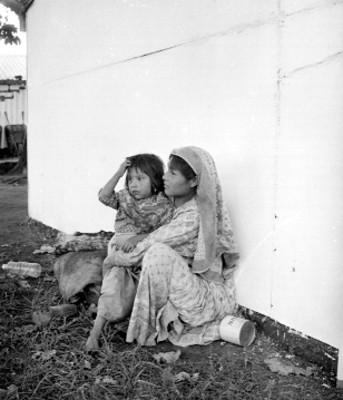 Mujer y niño Huichol