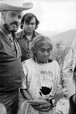 María Sabina y hombres