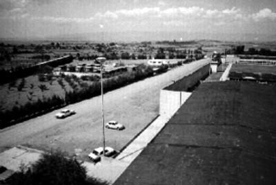 Calle y azotea del centro penitenciario