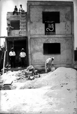 Hombres en obra de construcción