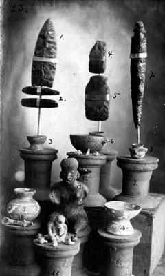 Piezas de cerámica y litica prehispánicas de Jalisco y Nayarit