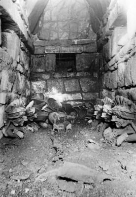 """Vista de la """"Tumba 40"""", interior"""