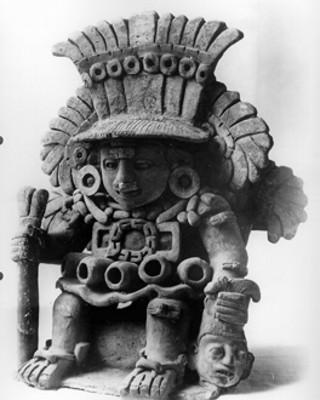 Urna con la representación del dios Xipe Totec