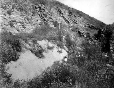 Pirámide de la luna, lado oriente y cala de excavación número 262