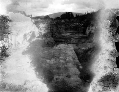 """Vista de una habitación teotihuacana, cala de excavación """"314"""""""