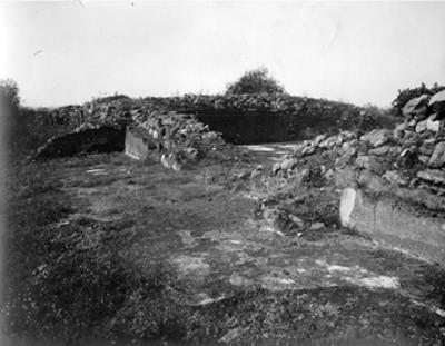 Conjunto habitacional y cala de excavación 329