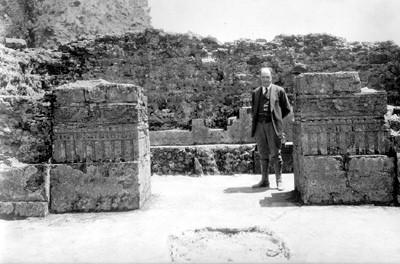 Hombre en el templo del Tepozteco, retrato