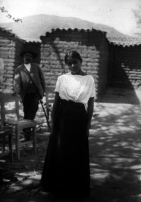 Mujer mixteca y hombre, retrato