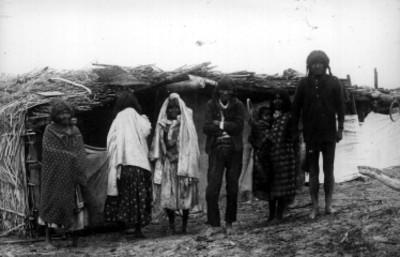 Famila tarahumara, retrato de grupo