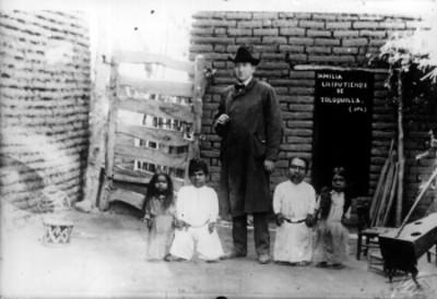 Familia liliputiense, retrato