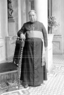 Leopoldo Lara y Torres, Obispo de Tacámbaro, retrato