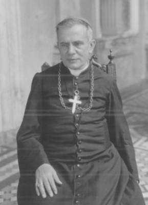 Obispo sentado en una silla, retrato