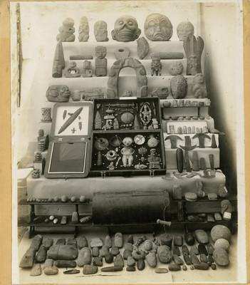 Cerámica y esculturas en piedra, lote
