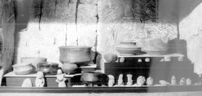"""Figuras Antropomorfas y vasijas exhibidas en el """"Museo de Cuicuilco"""""""