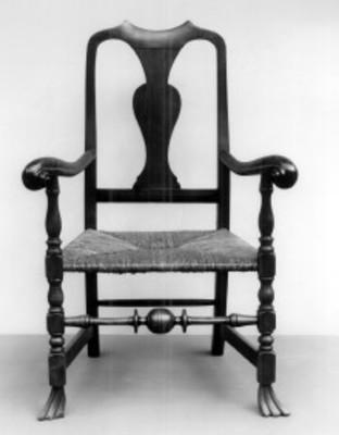 """Sillón con brazos elaborado en maple, exhibido en el """"Museo Metropolitano de Arte"""""""