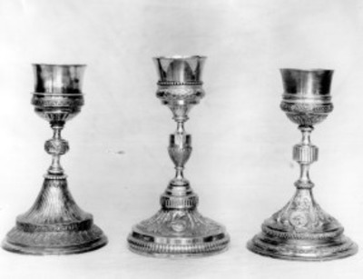 Cálices litúrgicos, exhibidos en el Antiguo Museo Nacional