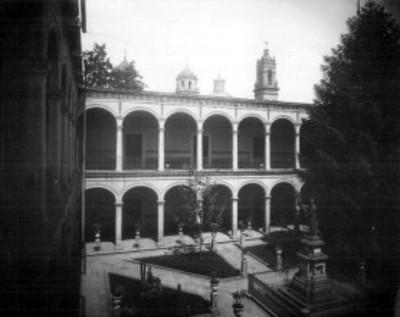 Patio del Colegio de San Nicolás de Hidalgo