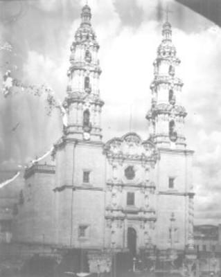 Vista general de la Basílica de San Juan de los Lagos, reprografía