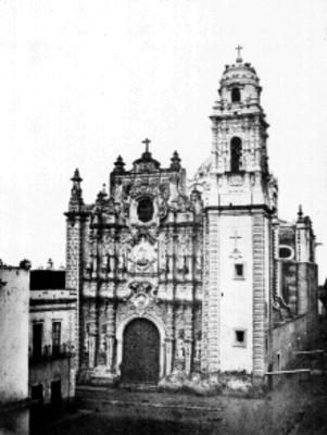 """Iglesia """"La Santísima"""", fachada, vista frontal"""