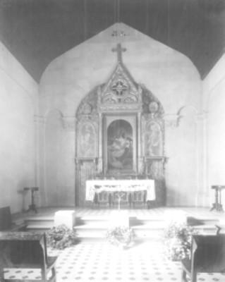 Interior de la capilla levantada en el cerro de las campanas, Querétaro