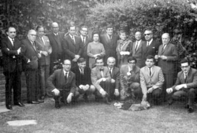 Carlos Mansivais, Salvador Novo, Rosario Castellanos con otros escritores y académicos, retrato de grupo