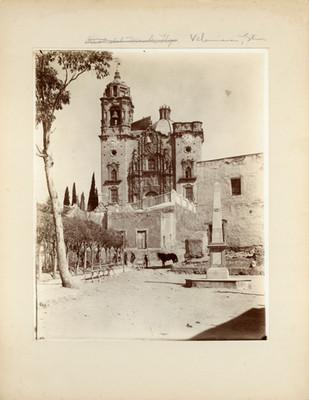 Iglesia de la Valenciana, fachada y atrio