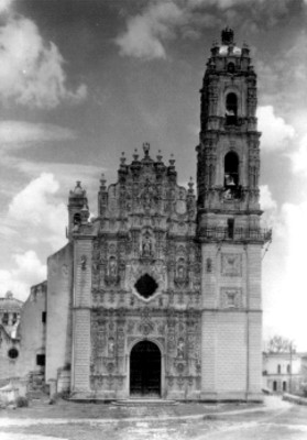 Iglesia de San Francisco Javier, vista general de la portada