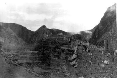 """Panorámica del sitio arqueológico de """"Machu Picchu"""""""
