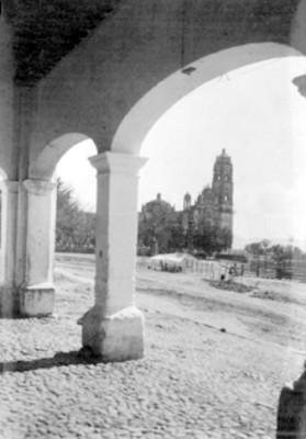 Convento de Tepotzotlán, visto desde los portales