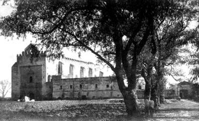 Vista frontal del convento de San Agustín Acolman