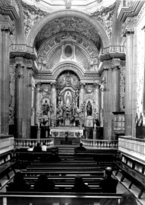 Vista del altar en honor ala Virgen de los Ángeles