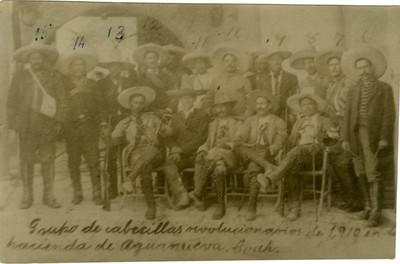 Grupo de cabecillas revolucionarios en Aguanueva, retrato de grupo