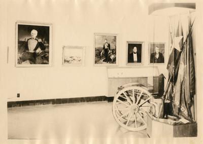 Sala de exhibición de las intervenciones extranjeras en México