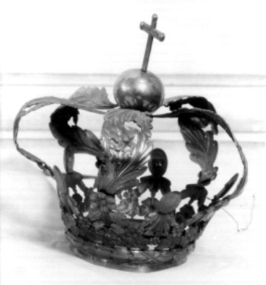 Corona, trabajo de orfebrería de hojas de acanto en filigrana