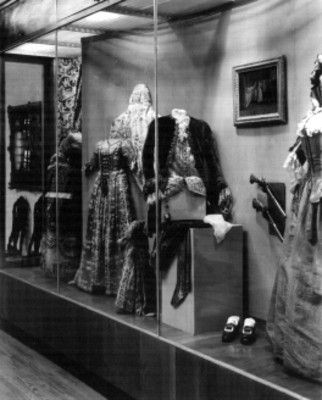 Exhibición de vestuarios del siglo XVlll y XlX, Museo Nacional de Historia