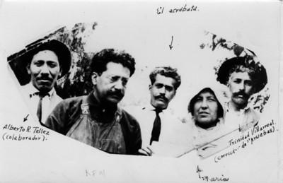 Los hermanos Ricardo y Jesús Flores Magón acompañados de operarios del periódico Regeneración