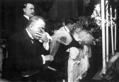 Alvaro Obregón durante la boda de Miguel Alessio Robles con Josefina Fernández