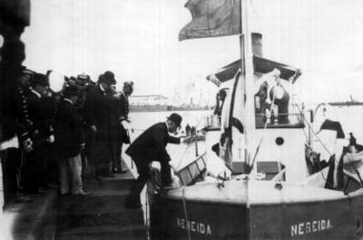 """Porfirio Díaz se embarca en el remolcador """"Nereida"""""""