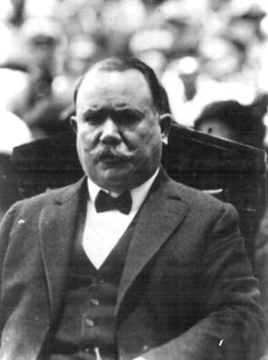 Alvaro Obregón presente en un acto publico