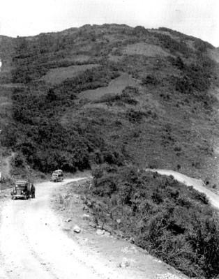 """En las cumbres de Acultzingo carr. Tehuacán-Orizaba Ver."", tarjeta postal"