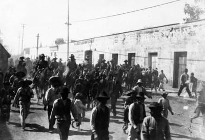 Carranza, Obregón y su comitiva salen de México hacia Querétaro