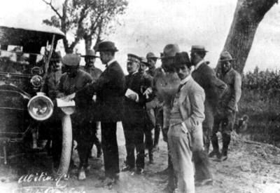 Álvaro Obregón firma los Tratados de Teoloyucan