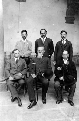 Venustiano Carranza y diputados de Durango, retrato de grupo