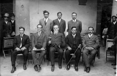 Venustiano Carranza y diputados de San Luis Potosí, retrato de grupo